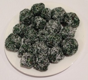 Spirulina Nut Ball 3